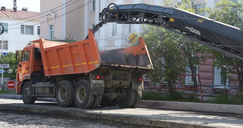 Проезд автомобильного транспорта ограничен на Колымском шоссе, проспекте Ленина, улицах Гагарина и Набережной реки Магаданки