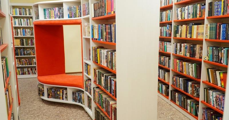 Модельная библиотека в поселке Усть-Омчуг планирует принять первых посетителей в октябре текущего года