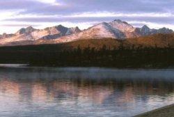 40 лет назад (1975) решением Магаданского облисполкома учреждён национальный природный парк «Озеро Джека Лондона»