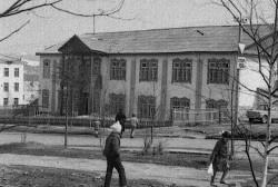 61 год назад решением Магаданского облисполкома № 256 в Магадане открыта детская музыкальная школа на 50 мест