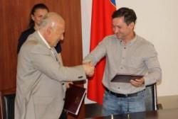 Губернатор Магаданской области подписал новые соглашения в рамках социального партнерства