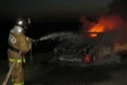 Колымские пожарные ликвидировали возгорание автомобиля в п. Сеймчан