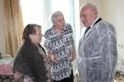 Губернатор: Лечение пожилых людей одно из приоритетных направлений медицины Колымы