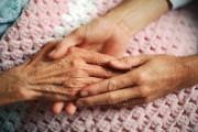 Возраст граждан, желающих принять в свою семью пожилого одинокого человека, увеличен с 55 до 65 лет