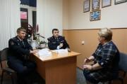 Полицейские взяли на контроль предложения жителей поселка авиаторов