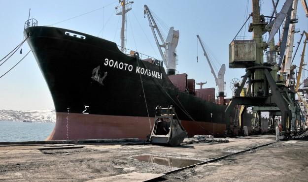 На Колыме закрылась угольная навигация «Северный завоз – 2015»