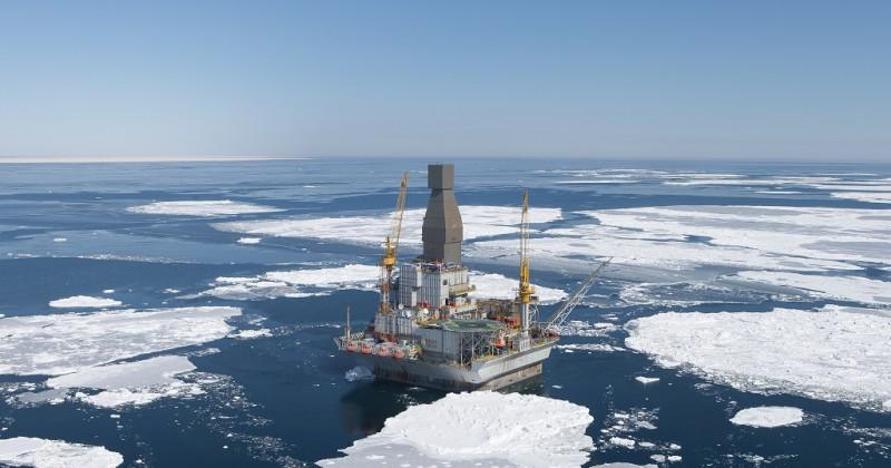 """""""Роснефть"""" и Statoil (в лице совместного предприятия ООО """"Магаданморнефтегаз"""") начали буксировку установки из КНР для бурения скважин в Охотском море"""