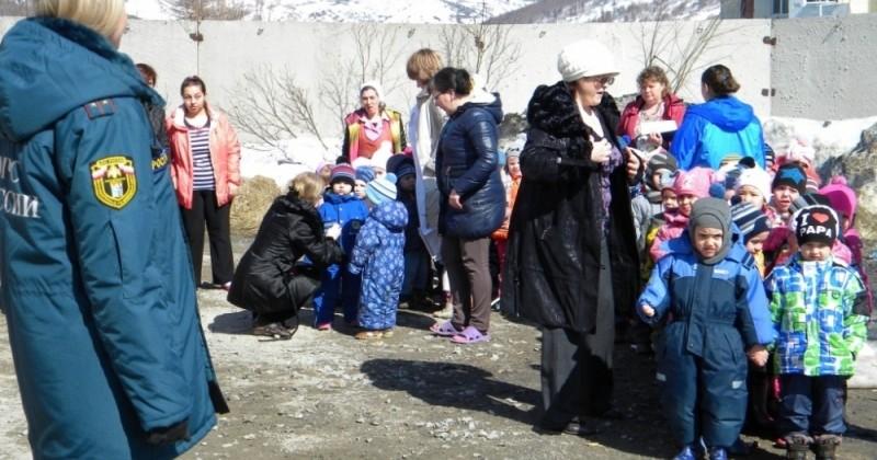 Инспекторы надзорной деятельности провели объектовую тренировку с практическим проведением эвакуации детей