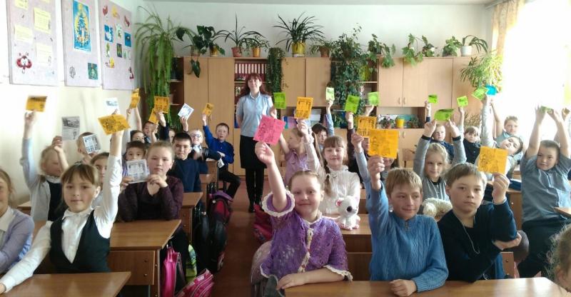 В Магаданской области инспекторы ГИБДД провели занятия со школьниками