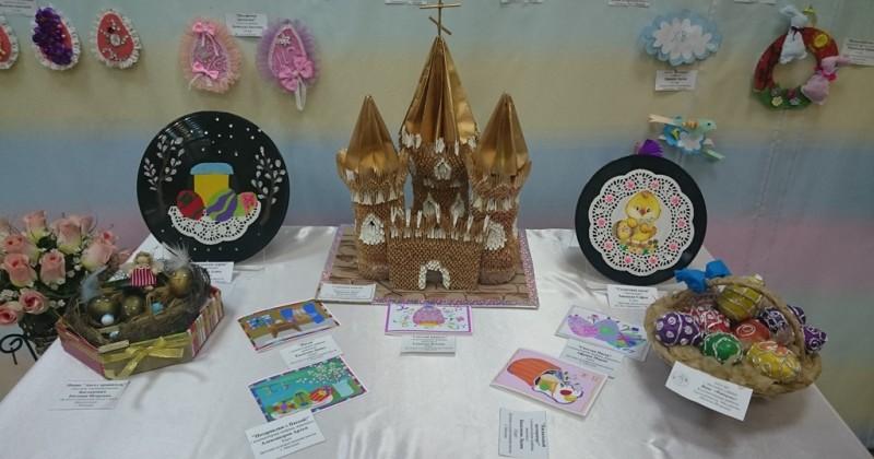"""В этом году на выставке """"Светлое Христово Воскресение"""" было представлено более 400 работ православной тематики"""