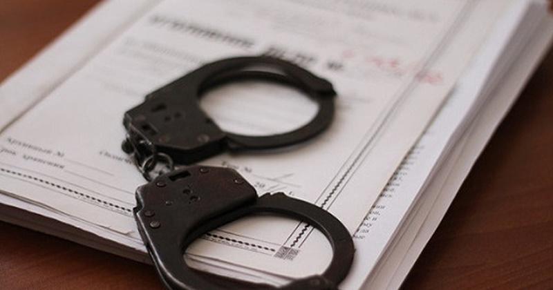 Ранее судимый магаданец, избив пенсионерку, открыто похитил у нее почти 5 тысяч рублей