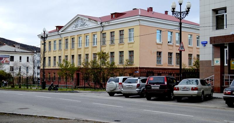 57 лет назад решением № 337 Магаданского горисполкома принят акт о вводе в эксплуатацию здания школы № 7 на 400 мест