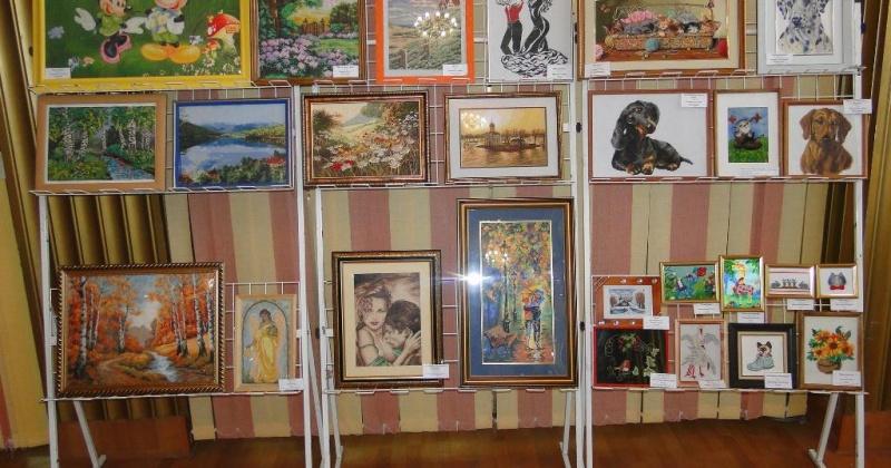 Региональная выставка «Вышитая картина» пройдет в Молодежном центре с 1 по 11 ноября