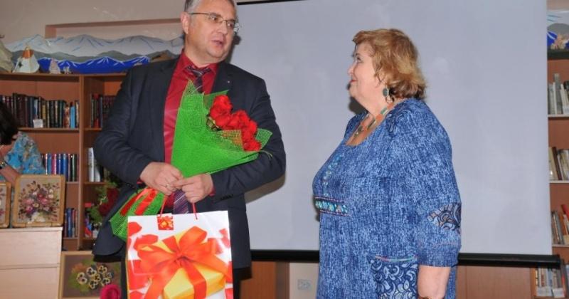 Преподаватель детской школы искусств им. В.А. Барляева Юлия Монахова отметила юбилей