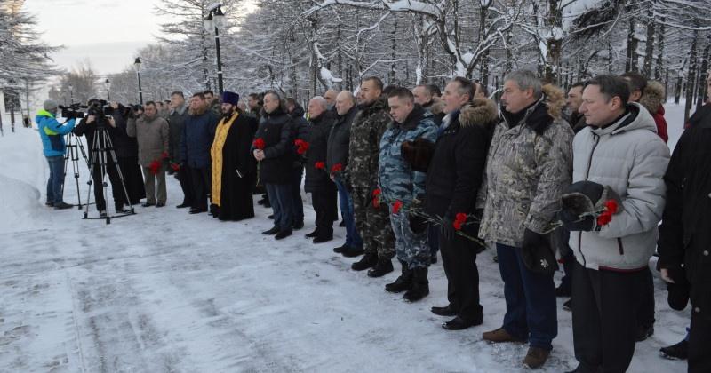 Магаданцы почтили память погибших в вооруженном конфликте в Чеченской республике