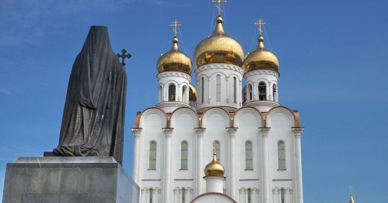 Из сторожки Свято-Троицкого кафедрального собора неизвестные свободным доступом похитили ноутбук стоимостью 18 тысяч рублей