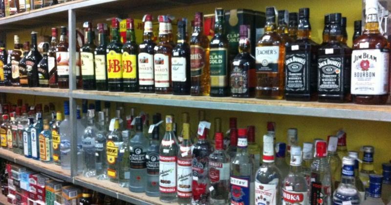 В минувшем году магаданские полицейские выявили 13 фактов продажи алкогольной продукции несовершеннолетним