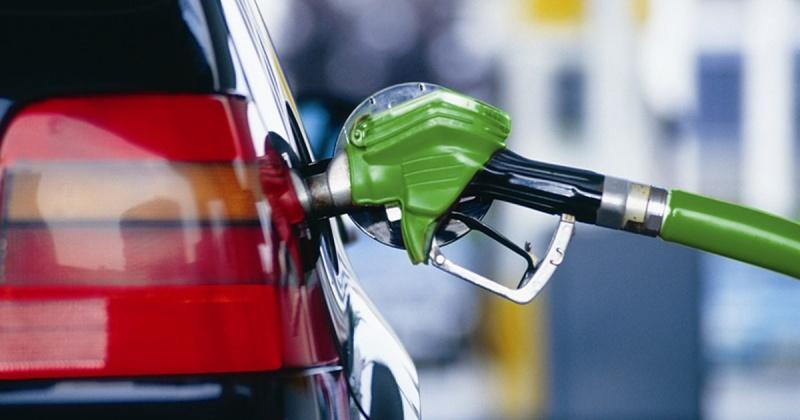 Цены на бензины и дизельное топливо на автозаправочных станциях Магадана остаются стабильными