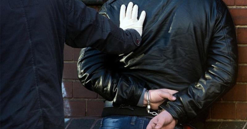 В Магадане оперативники установили подозреваемого в совершении краж и грабежей