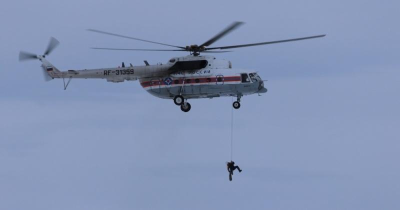 Магаданские спасатели провели десантную тренировку