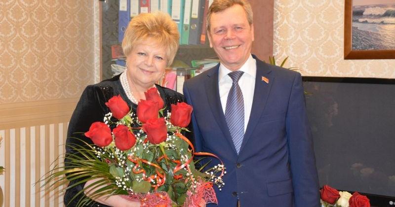 Сергей Абрамов поздравил Татьяну Шмонину с юбилеем