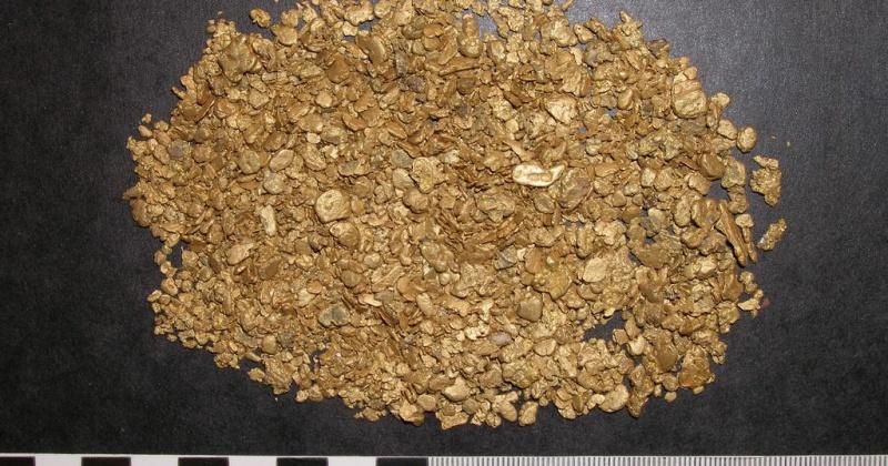 Год колонии получил колымчанин нашедший в полиэтиленовом пакете промышленное золото