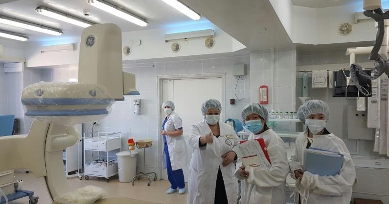Представители генконсульства Японии посетили Магаданскую областную больницу