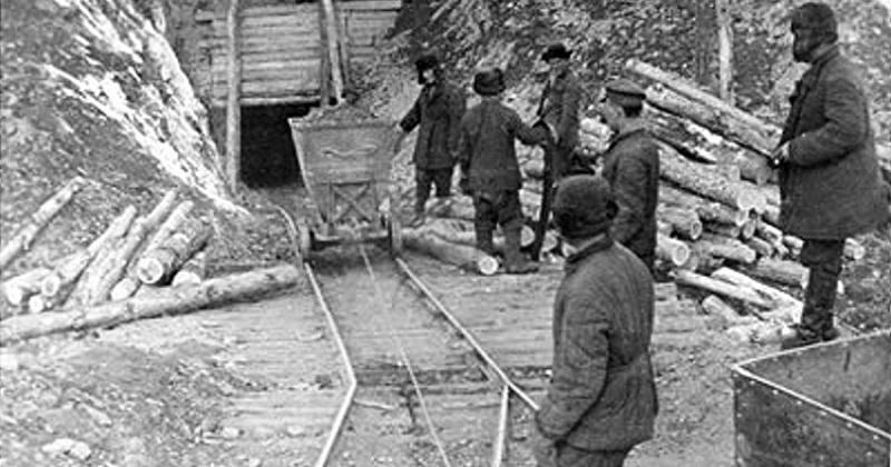 65 лет назад заключенным-горнякам при выполнении личной нормы более чем на 200 % стали присваивать звание «Отличник производства»