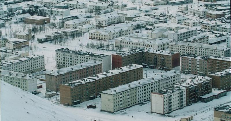 Ресурсоснабжающая организация ООО «Исток» в Омсукчане ведет работы по замене разрушенной канализационной трубы