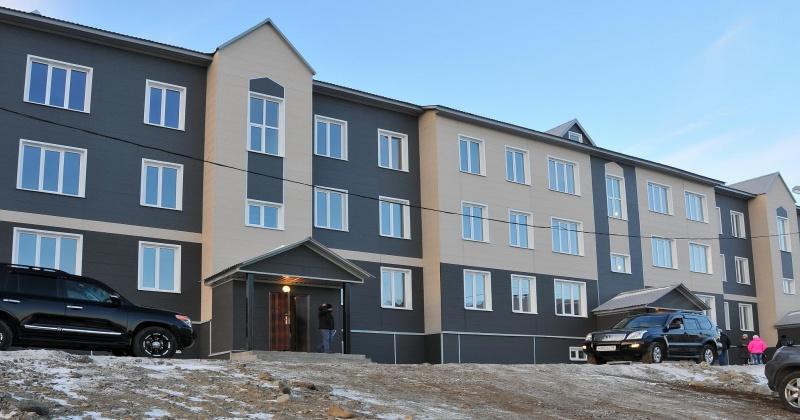 По данным реестра аварийного жилья Магаданской области на первое января 2017 года еще 12,5 тыс. квадратных метров жилых помещений необходимо расселить в благоустроенные помещения