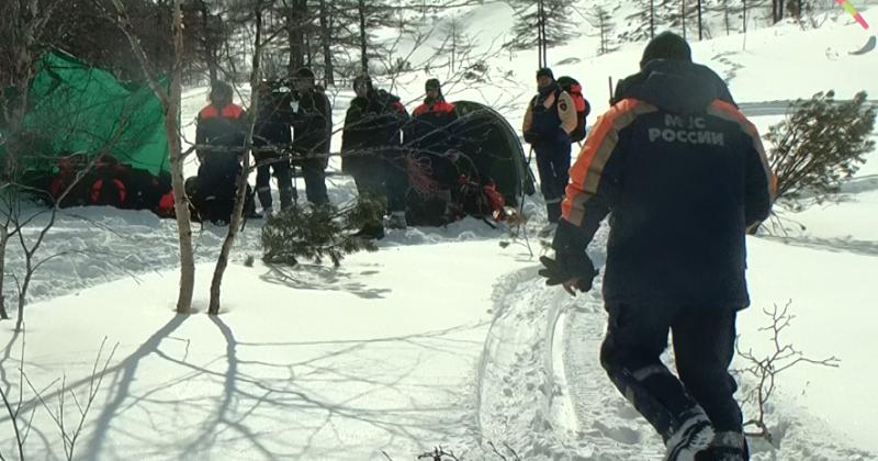 Спасать пострадавших при сходе лавины учились магаданские сотрудники ДВРПСО