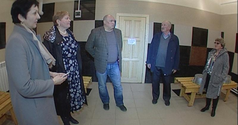 Заместитель председателя Магаданской областной Думы Игорь Донцов оценил работу новой бани в поселке Сеймчан