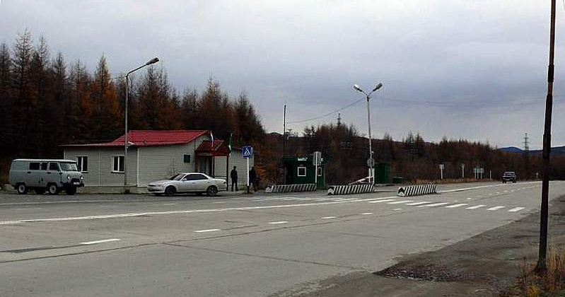 Магаданские таможенники наложили арест на Тойоту, незаконно пересекшую границу ОЭЗ