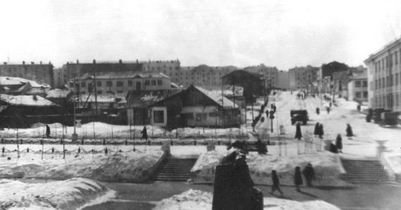 77 лет назад улица ДИТР'а города Магадана переименована в улицу Школьная