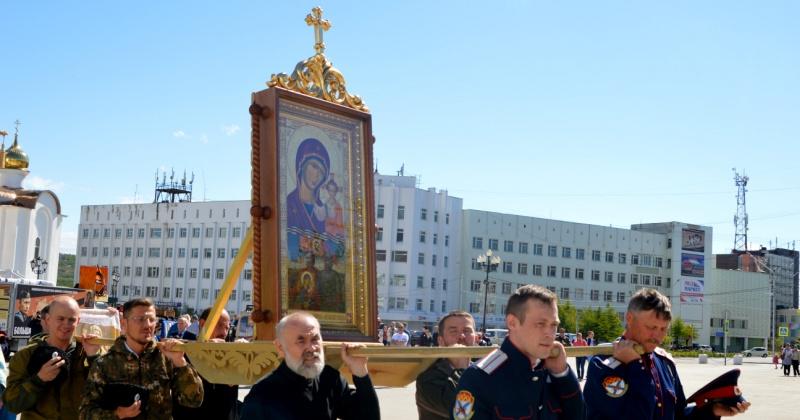 Участники автопробега Магадан-Донецк-Москва привезут в Элисту Казанскую икону Божией Матери