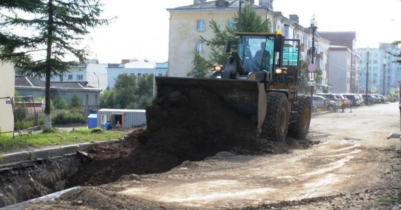 Завершается реконструкция инженерных сетей на улице Горького в Магадане