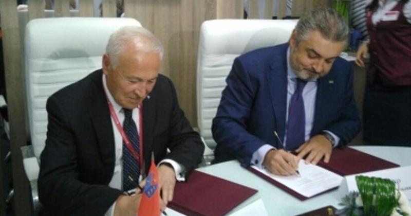 Восемь соглашений о сотрудничестве на ВЭФ-2017 подписал губернатор Колымы