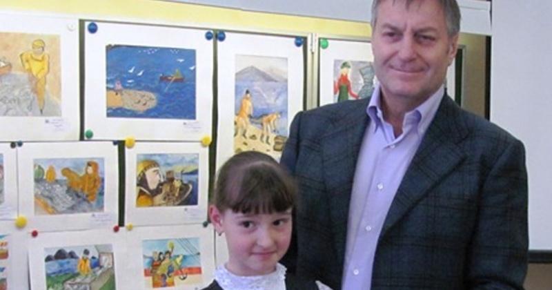 Школ-участниц ежегодного конкурса детского рисунка, учрежденного Магаданской ассоциацией рыбопромышленников, становится больше