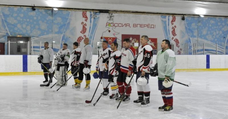 В Магадане стартовал Кубок мэра по хоккею с шайбой