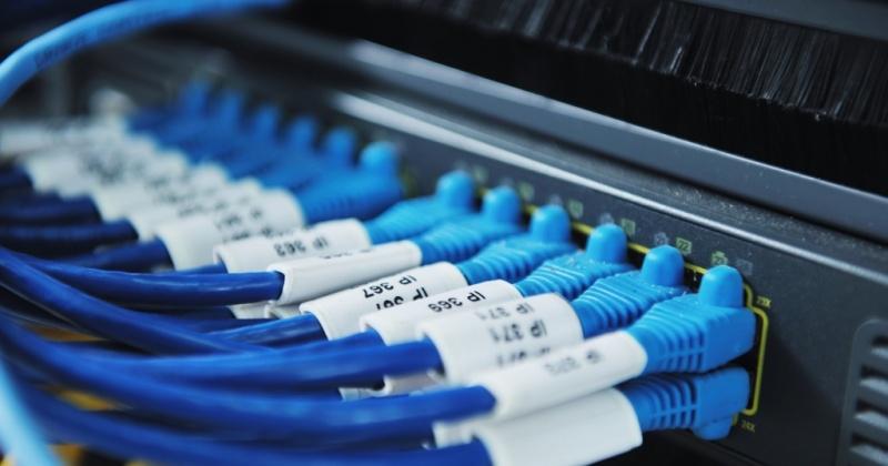 В Сусуманском и Тенькинском округах Колымы ведутся работы по подключению к оптоволоконной линии связи