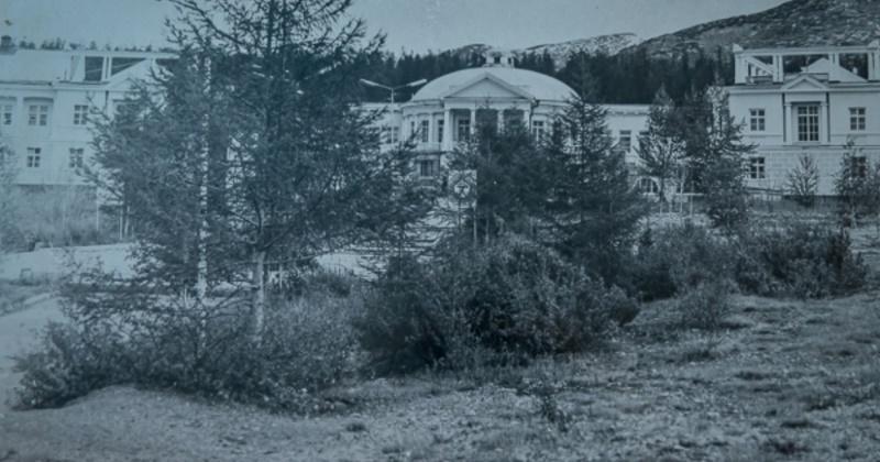 """77 лет назад года в посёлке оленеводческого совхоза """"Талая"""" открыт санаторий """"Горячие ключи"""" (впоследствии — санаторий """"Талая"""")"""
