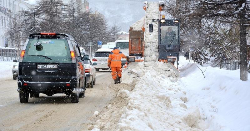 Центральные улицы, частный сектор и отдаленные районы – спецтехника ГЭЛУДа работает по всему городу