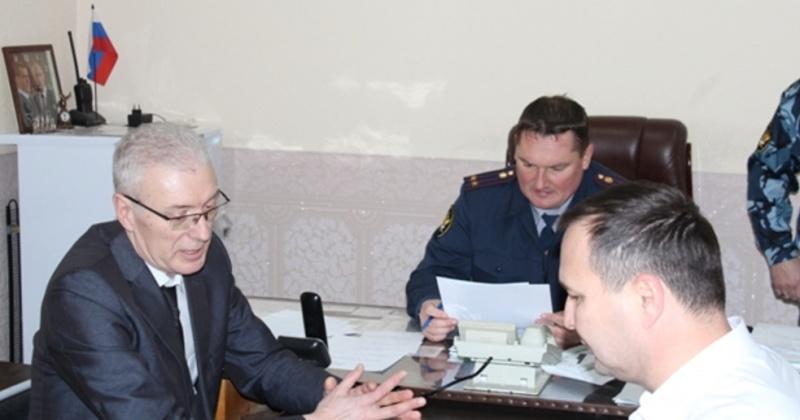 Уполномоченный по правам человека по Магаданской области Олег Михайлюк  посетил СИЗО-1 в Магадане.
