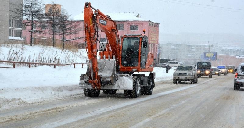 Сегодня в связи с расчисткой и снеговывозом будет перекрыта для движения улица Скуридина и будет  ограничено движение  на улицах Якутской и Колымской
