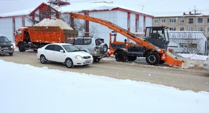 Ограничение проезда на Пролетарской, расчистка остановок и вывоз снега с Марчекана