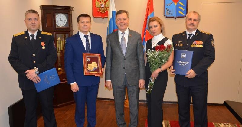 Сергей Абрамов вручил благодарственные письма сотрудникам Центра специальной связи и информации