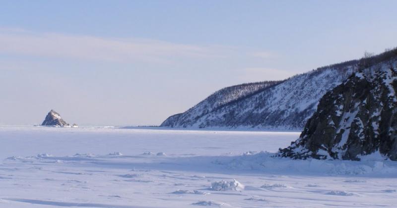 Главное управление МЧС России по Магаданской области предупреждает об опасности выхода и выезда на лёд на автомобилях