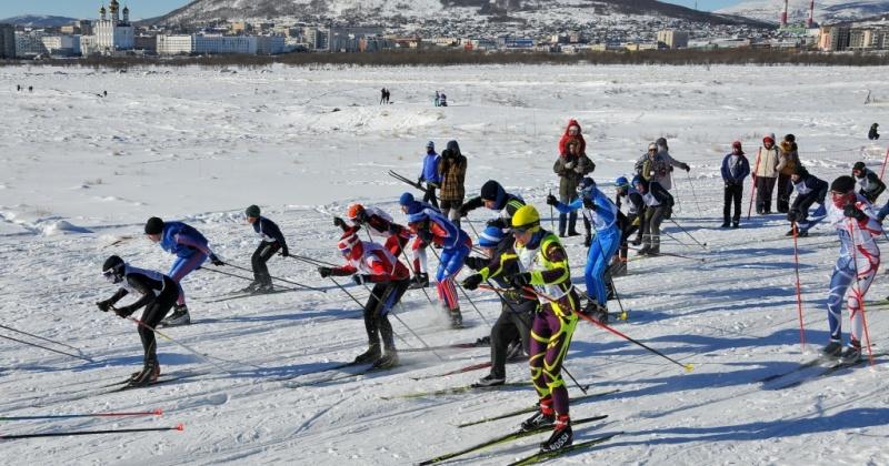 Всероссийская лыжная гонка, первенство города по боксу, хоккейные и футбольные чемпионаты