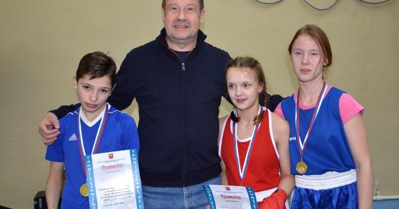 Сергей Замараев наградил победителей городского турнира по боксу памяти мастера спорта СССР Олега Лозова