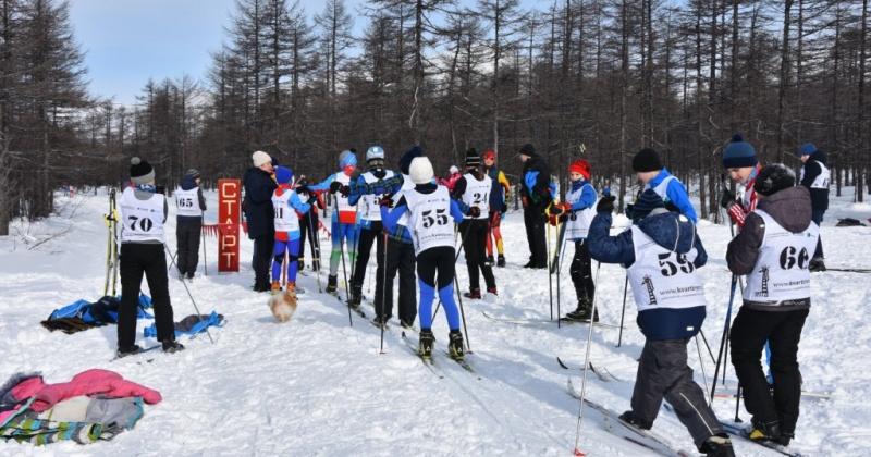 Открытое первенство по лыжным гонкам ДЮСШ № 5 в Магадане посвятили Дню защитника Отечества